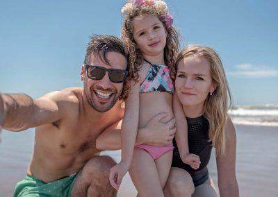 familia-en-la-playa-slfie